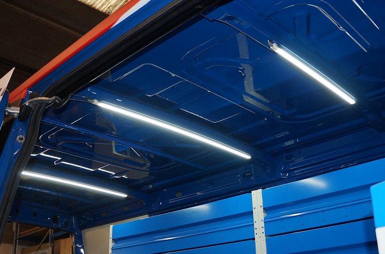 Plafoniere Led Per Officina : Accessori per illuminare il furgone
